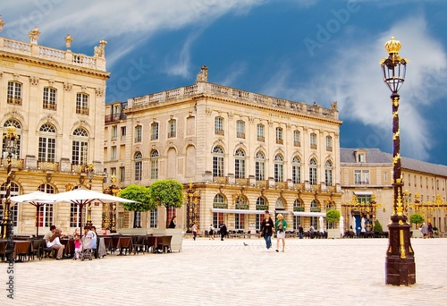 La place Stanislas à Nancy en Lorraine, France - 43213349