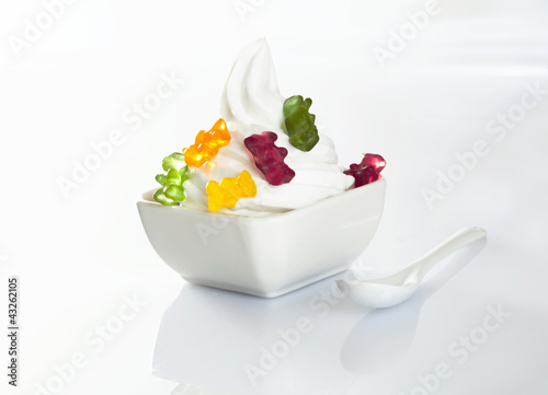 Vanilla icecream with gummy bears