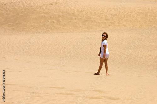 Mädchen in den Dünen