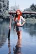 Ritratto ragazza in acqua