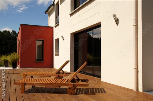transats et maison moderne