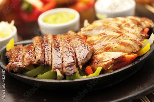 Yemek ,yiyecek tabakları,et