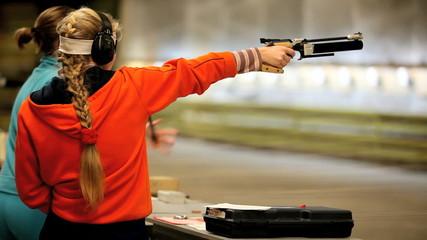 Firing the Air Pistol