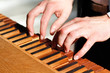 Organist beim Orgelspiel