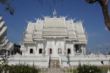 il tempio di Wat Rong Khun a Chiang Rai