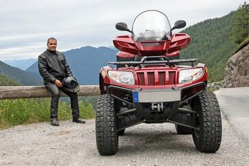 Mit dem ATV auf dem Hahntennjoch in Österreich