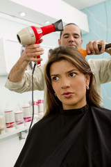 Hispanic woman in beauty salon