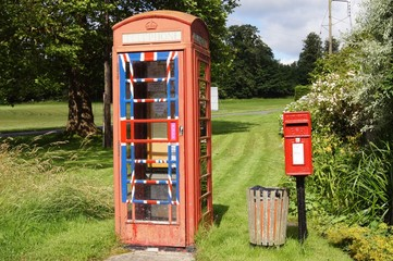 English Post box and Traditional Phone Box