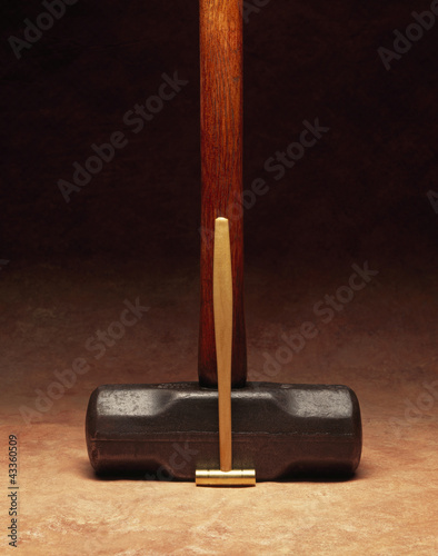 Large hammer and small hammer