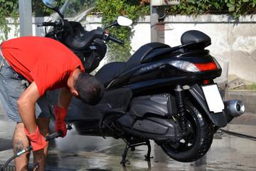 Lavaggio scooter