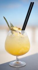 pina colada ananas sok kokos mleko rum alkohol koktajl likier