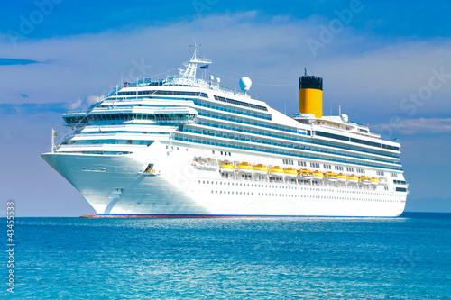 Leinwanddruck Bild Cruise liner