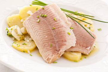Forelle mit Kartoffelsalat
