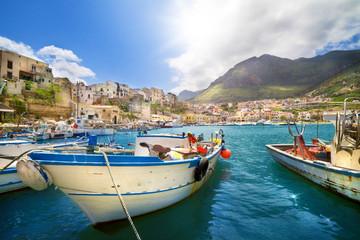 Fischerhafen in Castellammare del Golfo, Sizilien