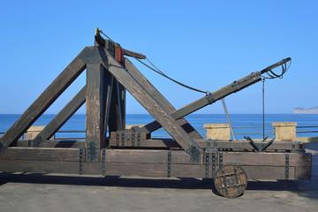 Le catapulte sui bastioni di Alghero
