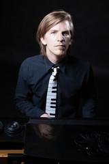 Musiker am Piano