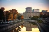 Fototapete Sonnenuntergänge - Fluß - Stadt allgemein
