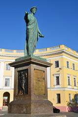 Памятник Дюку Решелье в Одессе.