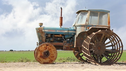 rice tractor 02