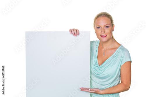 Frau mit Werbetafel