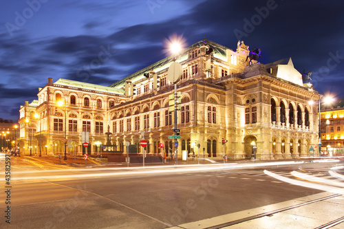 Vienna 's State Opera House at night, Austria