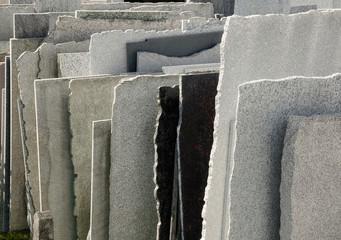 Natursteinplatten beim Steinmetz