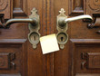 Ancient door handle and post-it