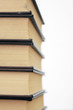 Detalle de unos libros amontonados