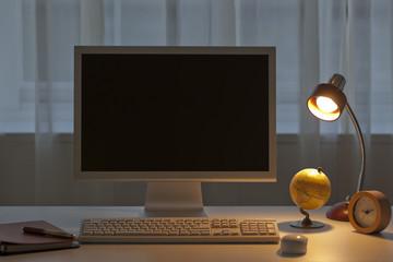 パソコンと小物と手帳