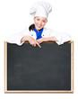 Köchin zeigt auf Tafel