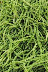 grüne Bohnen im Hochformat