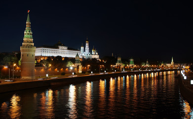 Night Moscow, the Kremlin wall