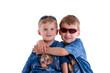 zwei coole Geschwister