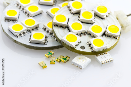 not assigned single-chip and three-chip SMD