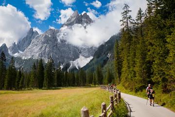 Auf dem Weg zum Berg