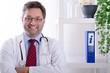 Arzt erteilt Auskunft