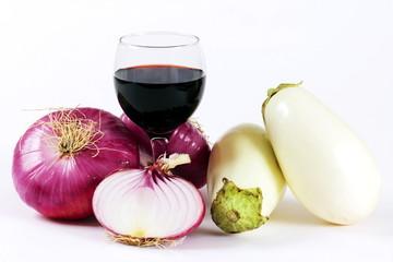 Cipolla rossa,vino rosso,e melanzane bianche