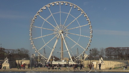 Timelapse of Ferris-wheel in Paris from Tuileries Gardens