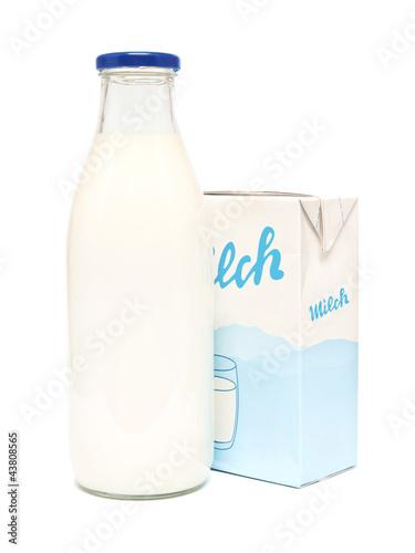 Leinwandbild Motiv Milchverpackungen