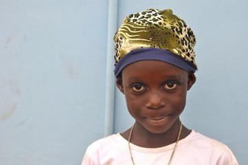 Afrikanisches Mädchen mit Mütze