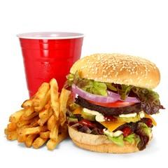 Burger mit Pommes Frites und Becher