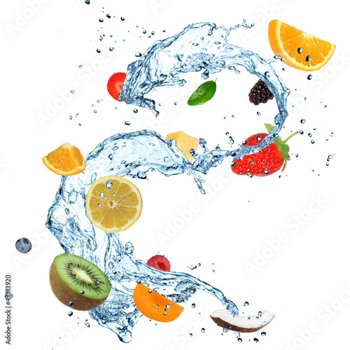 Fotobehang Opspattend water Fruit in water splash over white