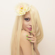 Leinwanddruck Bild - Beautiful lady with magnificent hair