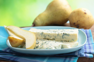 Blue cheese and pear