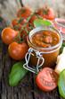 Pesto mit Tomaten