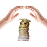 Hände schützen Ersparnisse