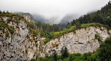 Pirineos alta montaña frontera España y Francia
