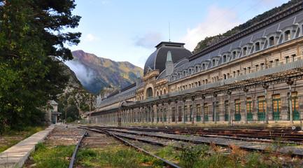 Canfranc, estación de trenes, frontera España y Francia