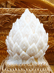 carving candle with lotus shape