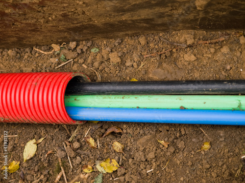 Cables in trench - 43931322